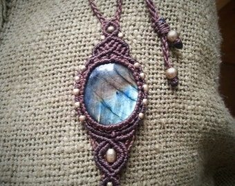 Labradorite Amulette Macrame Pendant Necklace with Brass Beads