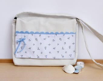 White Messenger Bag, with flowers and a felt bow