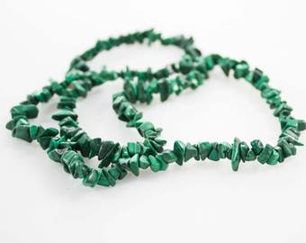 Vintage Malachite Green Stone Beaded Necklace