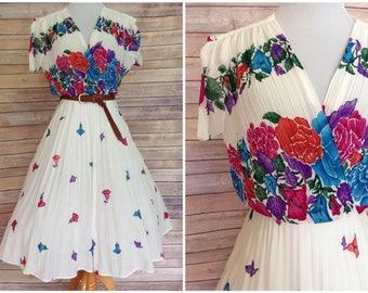 SALE   1970's White Dress   Vintage boho dress   vintage boho floral dress   1970s hippie floral dress   small pink floral dress
