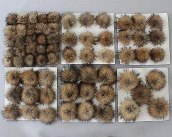 2pcs x Real raccoon fur pom pom, fur pompom, raccoon pom pom,brown fur ball, fluffy pom pom, Ideal for knitted hats, raccoon fur TZ1387
