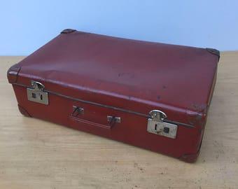 Old suitcase travel Bordeaux + reinforcements year 1950 Vintage Brown trunk