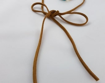 Genuine suede wrap choker with Turquoise gemstone. Suede choker. Beige choker. Beige wrap choker.