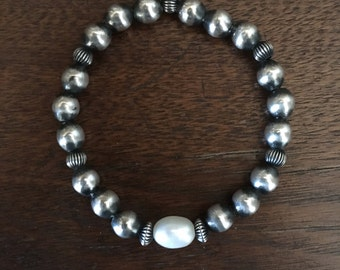 Sterling Silver and Pearl Navajo Pearl stretch bracelet