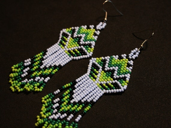 Light Violet Tribal Earrings, Traditional Beadwork, Native American Beaded Earrings, Brick Stitch Earrings, Small Dangle Earrings