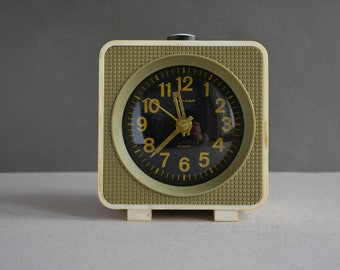 Vintage alarm clock JANTAR - 4 jevels - Made by soviets mechanical clock - Rustic home decor - USSR era 1970s