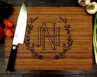 Personalized Wedding Gift, Custom Cutting Board, Initials and Flowers, Wreath, Monogram, Housewarming gift, Engagement Gift, Chef Gift