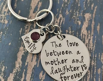 The love between a mother and daughter is forever key ring with personalized heart option - keychain - engraved - Mother's Day wedding gift