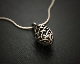 Celtic Knot Filigree Egg 925 Silver Medal and Chain