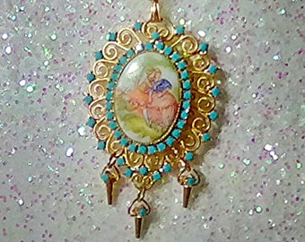 Juliana Cameo Pendant Of Courting Couple / Ann Pitnan Book Piece SAVE 5 DOLLARS