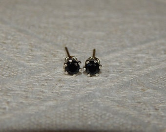Spinel 3mm Studs, Black Spinel Stud Earrings, Tiny Spinel Posts, Black Stud Earrings, Black Spinel Earrings, Black Jewelry, Black Spinel
