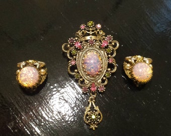 Vintage Sarah Coventry Brooch and Clip On Earrings (Opal Moonstone) Gold Tone Metal (Rhinestones ) Purple Pink Victorian Gothic Fancy
