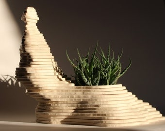 Wooden Sculpture with lodging for plants, decorative planter made by plywood layers, zen garden, centerpiece, planter decor for plant lovers