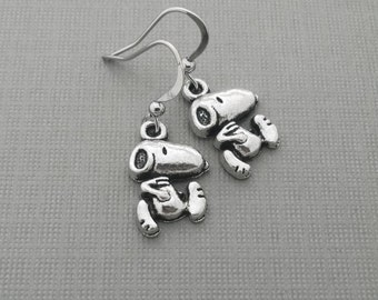 Snoopy Earrings, Snoopy Dog, Peanuts Charm, TV Jewelry, Dog Earrings, Charlie Brown Earrings, Snoopy and Woodstock Charms, Nostalgic Gift