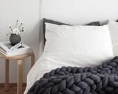 Ohhio's Grande Punto blankets. Chunky blanket. Giant knit. Cozy throw. Merino wool.