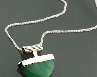 Silver Chrysoprase pendant, Chrysoprase pendant, apple green necklace, Simple silver green pendant, Silver & Chrysoprase, apple green stone