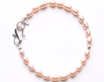 Pink pearl bracelet, sterling silver bracelet, dainty pearl bracelet, sterling silver clasp, freshwater pearl, June birthstone, gift for her