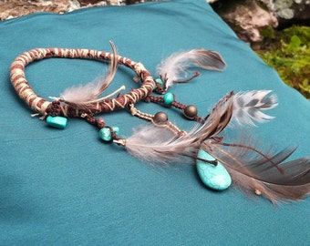 Equilibrium - arm feathers and magnesites turquoise bracelet
