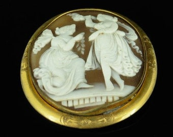 Victorian Classical Hand Carved Bullmouth Shell Angel Cameo Pinchbeck Brooch