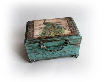 Vintage inspired Peacock Box. Peacock Jewelry Peacock Shabby chic Box. Peacock Trinket Box Personalized Peacock Box. Antique Decoupage Box