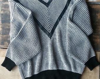 SALE! // Oversized Vintage Sweater