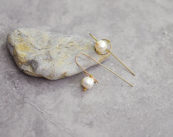 Baroque pearl earrings, gold threader earrings, minimalist earrings, wire earrings, boho earrings, hippie earrings, bridesmaid earrings gift