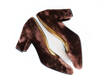 SALE /// Vintage Brown Crushed Velvet Block Heel Pumps size 7.5