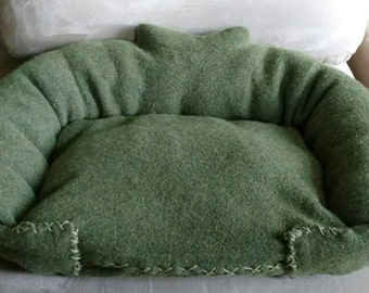 Pet bed - Heather Green Upcycled Sweater