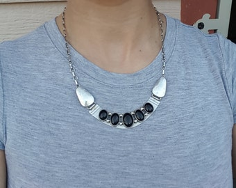 Native American Style Sterling 925 Silver Natural Black Onyx Cabochon 5 Stone Bib Necklace (36.1g)