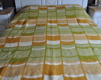 vintage wool blanket of the 70s. Dutch brant. pure wool blanket. 230x185 cm. retro orange brown, green, beige blanket.