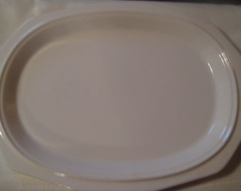 "Pfaltzgraff ""Heritage"" oval platter - Made in USA - white"