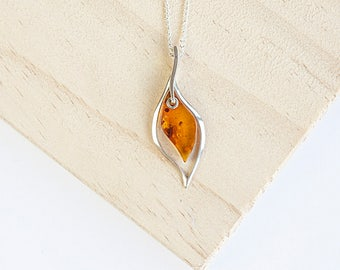 Averna Amber Pendant, Sterling Silver, Baltic Amber, Amber Necklace, Amber Jewelry, Cognac Amber, Baltic Amber Jewelry, Baltic Amber Leaf