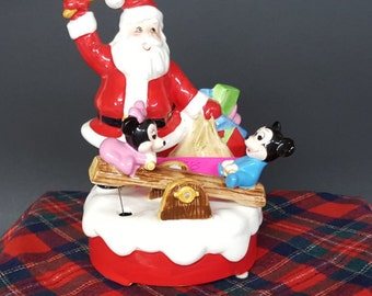 Disney Rare Music Box Santa And Babies Minnie and Mickey 1985 Figurine  Here Comes Santa Claus Song