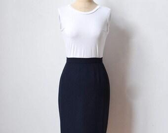Valentino dark blue pencil skirt / size XXS-XS / 1980s 1990s Valentino skirt / kneelength / navy blue / Valentino Miss V