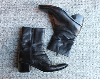 Vintage black leather heeled boots size 6 M