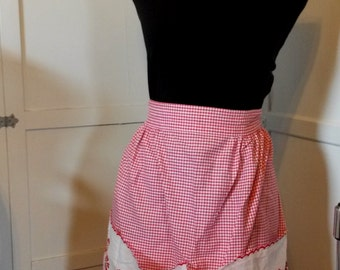 Vintage red floral gingham  apron with pockets