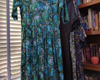 Blue Roses! Vibrant vintage watercolor 50's Mad Men secretary dress, size s/m!