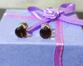 Natural red garnet 5 mm sterling silver 925 stud earrings