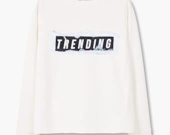 """Sweatshirt """"Trending"""""""