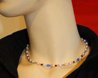 Pearl necklace with gold 18 ct and silver 925 elements, modern pearl jewelery