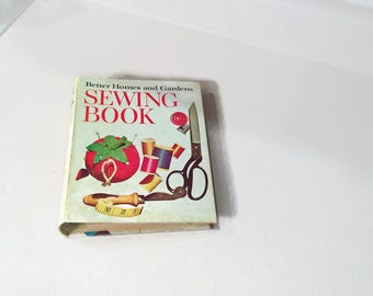 1970s Better Homes and Gardens Sewing Book