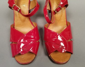 1950's Vintage Red Patent Leather Slingback Heels