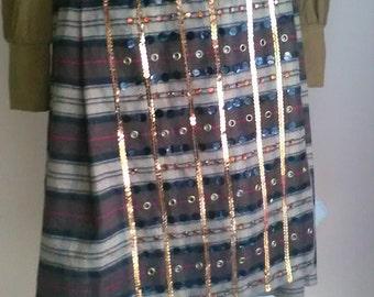 Zinco Skirt Kilt cotton Scotswoman on 1980's kitsch decoration in front / Zinco skirt Kilt Plaid cotton, 1980