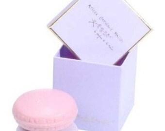 Box 2 macarons soaps purple