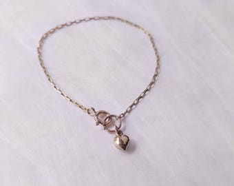 Gold-filled bracelet with heart-shaped charm
