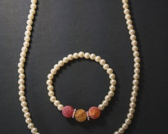 Pearl beaded and gemstone set