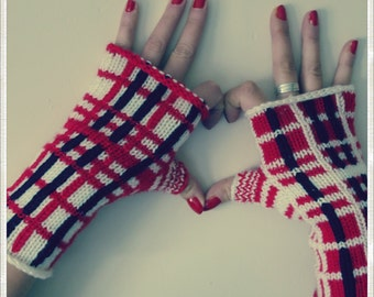 Mittens Plaid red, Navy Blue and white