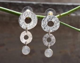 Blue flashymoonstone earrings,silver earrings,sterling silver earring,92.5 silver earrings,round shape earring,gift earrings
