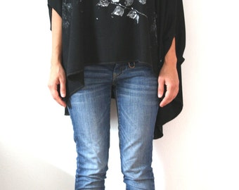 Black oversize asimmetric tunic blouse with leaves print on top