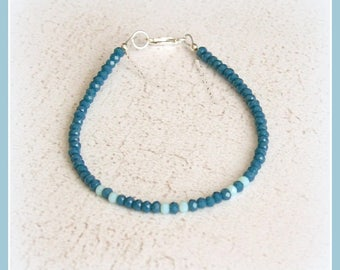 Minimalist bracelet beads faceted Czech crystal silver of law 925 chic gift tones bluish green aquamarine